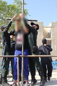 آدمخوار کرجی در ملأعام شلاق خورد + گزارش تصویری